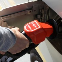 ガソリン車に軽油入れたら故障するの?入れた場合の対処や予防方法!