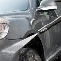 車に高圧洗浄機!使い方と注意点・塗装は傷まない!?