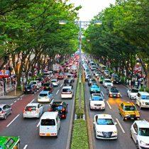 日本が左側通行の理由は?右側通行にしない理由は?