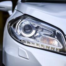 ヘッドライトの黄ばみ・くもり除去方法・原因や予防方法とは?絶対に禁止行為もあるので注意!