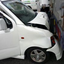 軽自動車は危ないって本当?安全装備が充実してる車種は?