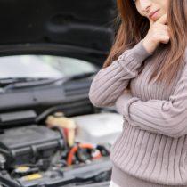 車のルームランプ消さないでバッテリーが上がる時間は?対処方法は?